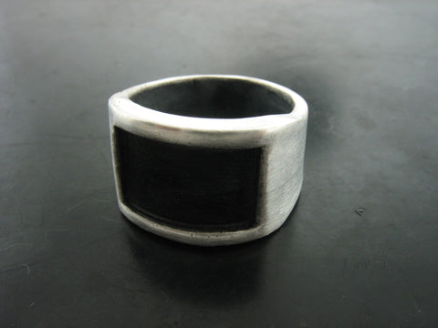 Black Screen Ring