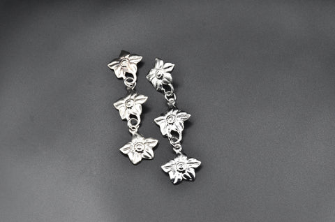 Flower Link Earrings- White Gold