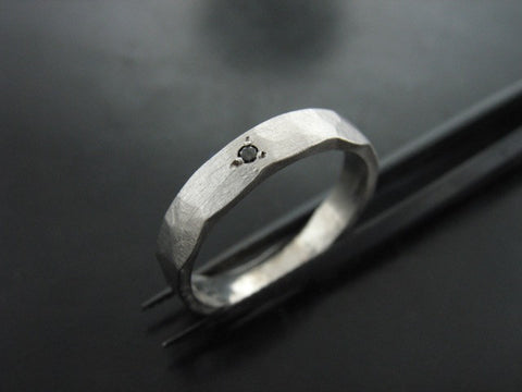 ZEUS RING - WHITE GOLD & BLACK DIAMOND