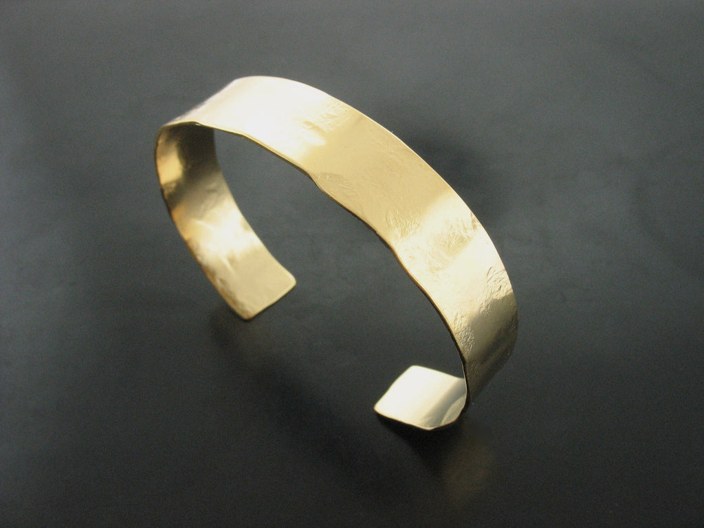 Hammered cuff #3 - Yellow gold