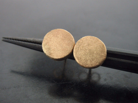 Round Studs - Yellow Gold