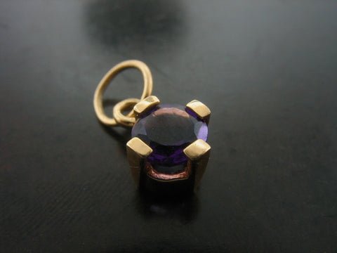 Pins and Charms: Amethyst Charm, Yellow Gold