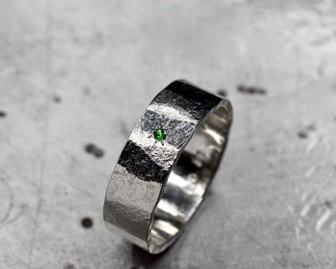 JADE'S RING PLATINUM 6MM WIDE