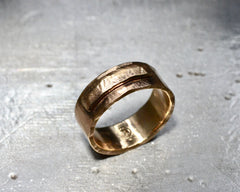 RUSELLS RING YELLOW GOLD 7MM WIDE