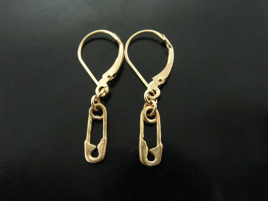 SAFETY PIN EARRINGS - YELLOW GOLD