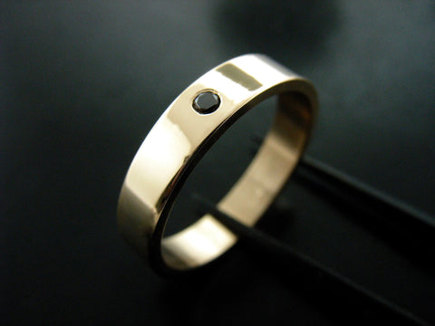 Jiou Ring- Yellow Gold & Black Diamond