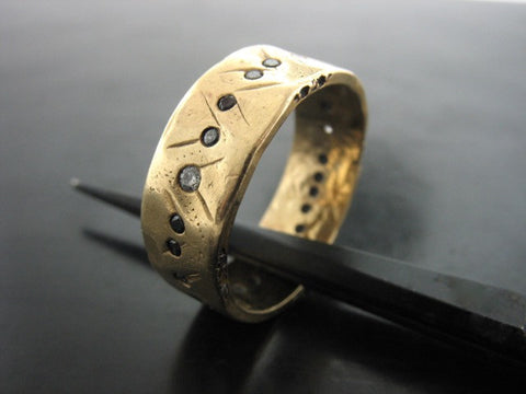 PONTUS RING YELLOW GOLD 7MM WIDE