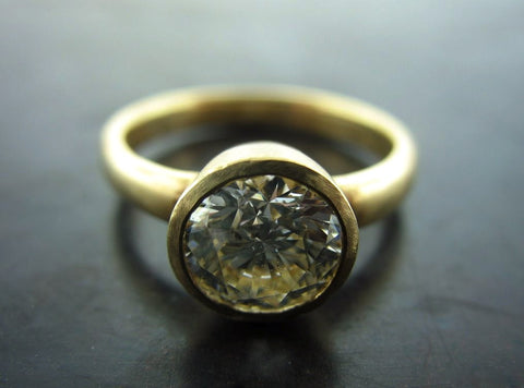 Nicole's Engagent Ring, Yellow Gold Brilliant Cut Diamond