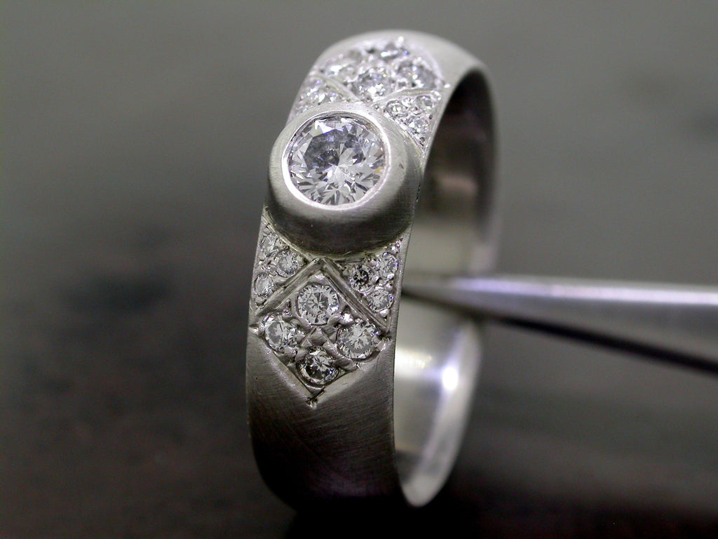 Katarina's Engagement Ring, Platinum Round Brilliant Cut Diamond Pave