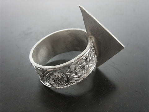 Saros Carved Ring