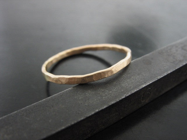 Hammered Zeus Super Thin Ring - Yellow Gold