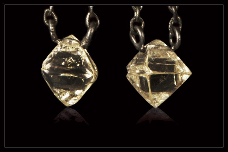 Natural Clear Octahedrons Rough diamonds & 0.10 ct. Black Brilliants in 18K hanging black rhodium white gold earrings - <strong>1.17 ct.</strong>