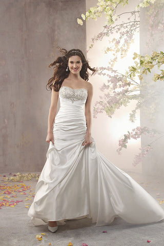 Alfred Angelo style 2360 Wedding Dress front view