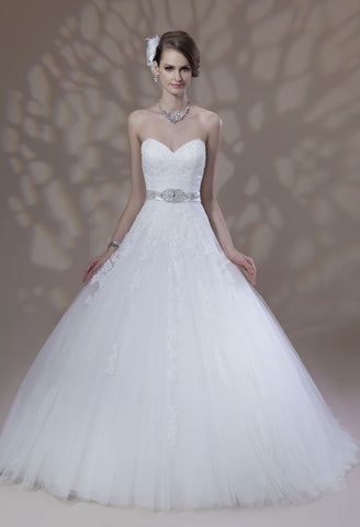 VENUS BRIDAL Suzette 50%off