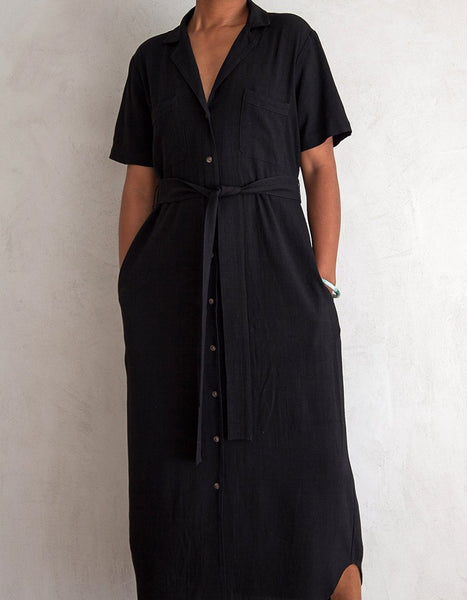 BLACK NOTCH COLLAR DRESS