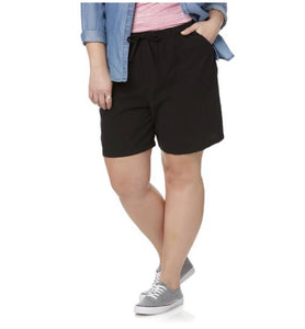 Laura Scott Women's Plus Shorts