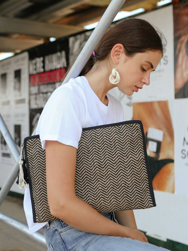 ZG Tablet Clutch - White Ivy Interiors