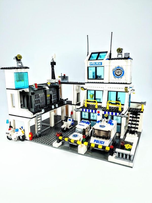Police Station & Jail Building Brick Set