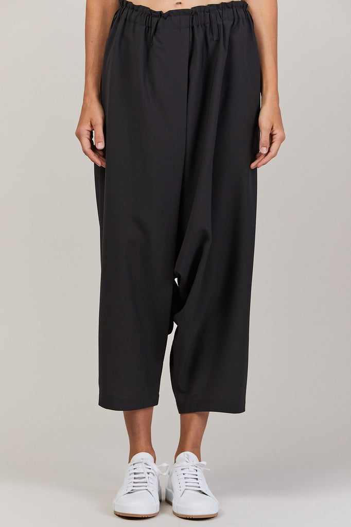 132 5. by Issey Miyake - seamless bottoms basic, charcoal