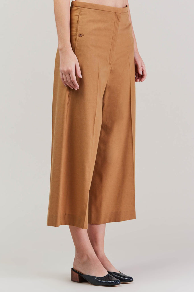 Cropped large pant, Camel by Lemaire @ Kick Pleat - 3