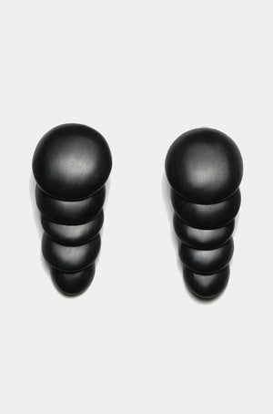 MONIES - KAMAGONG EARCLIPS, black