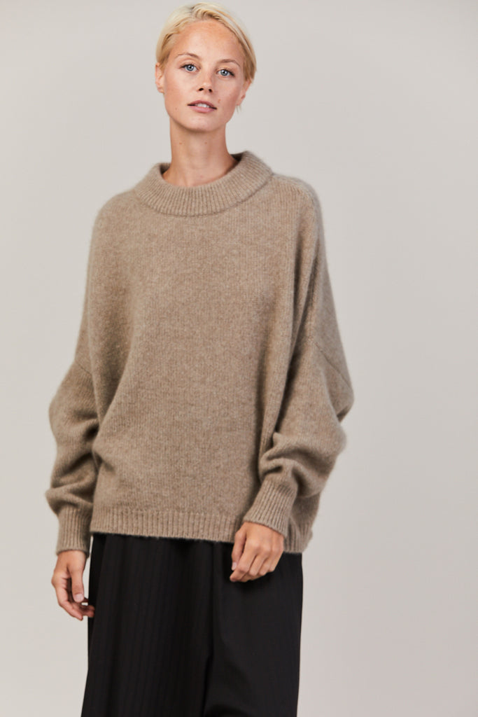 Regular Round Neck, Cappuccino