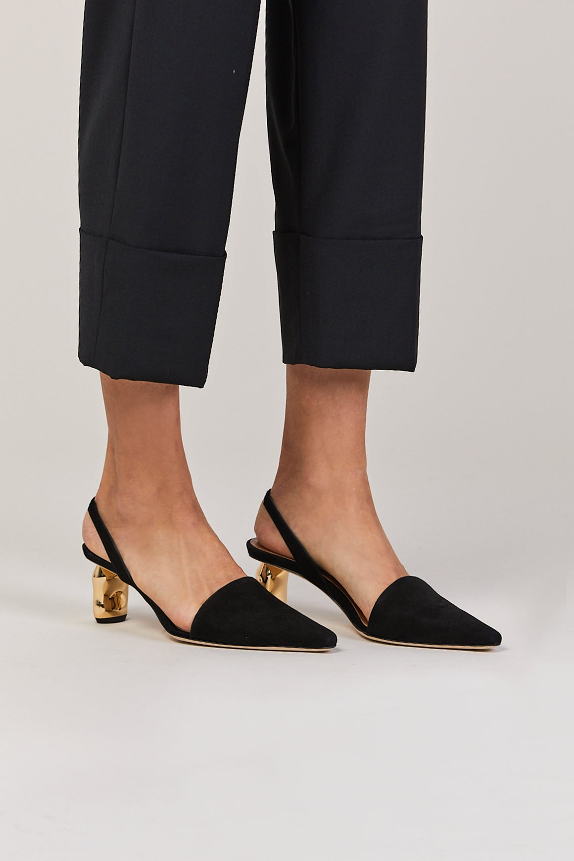 Conie Slingback, Black with gold heel