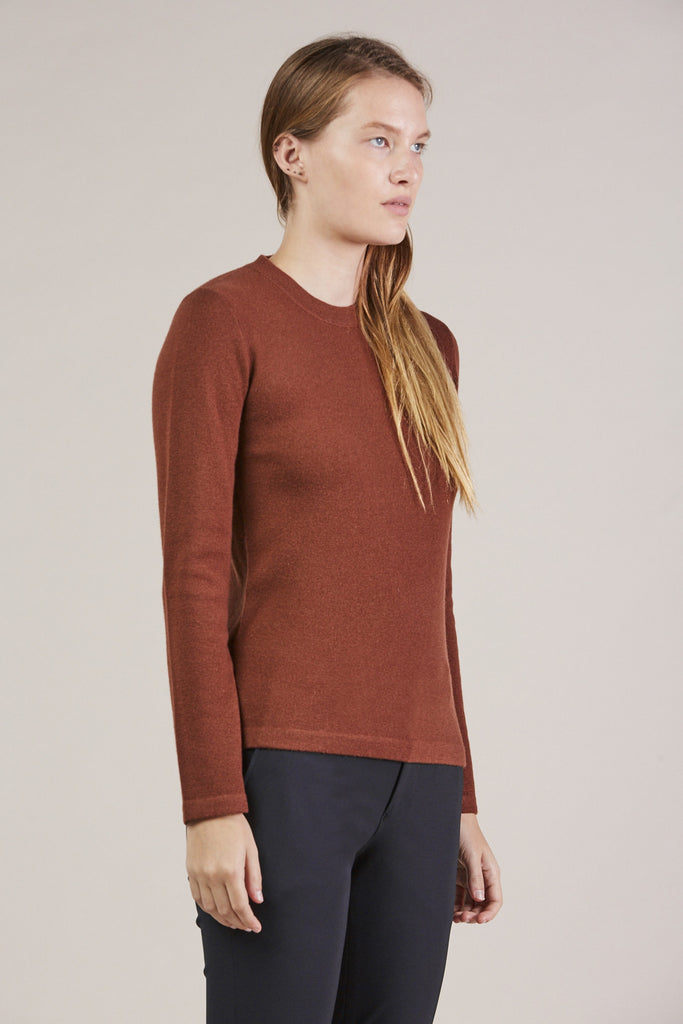 Portrait Mockneck, Maroon by MODERNE @ Kick Pleat - 3