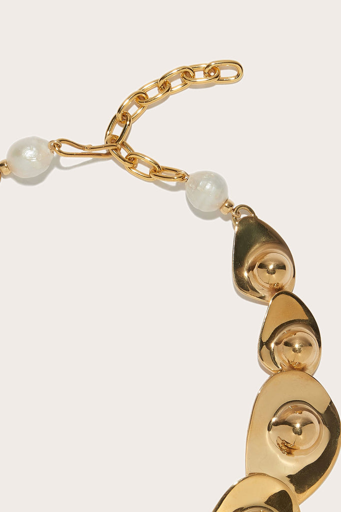 Lizzie Fortunato - Clam Collar, Gold & Pearl