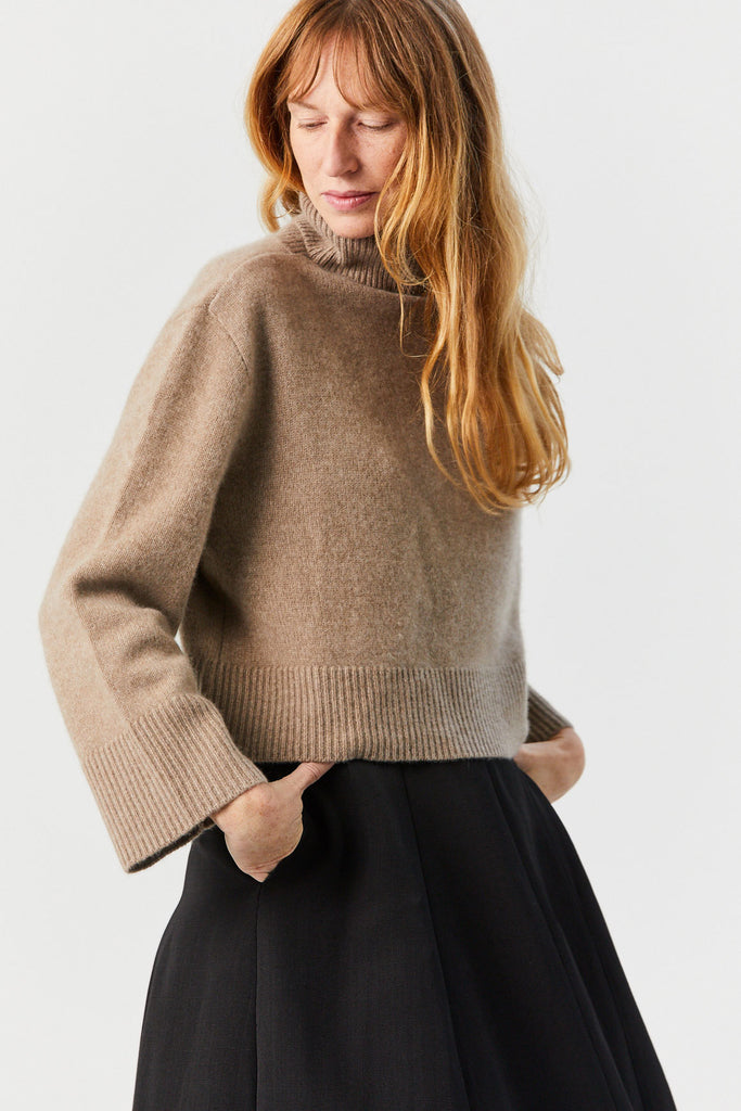 CO - Boxy Turtleneck Sweater, Fawn