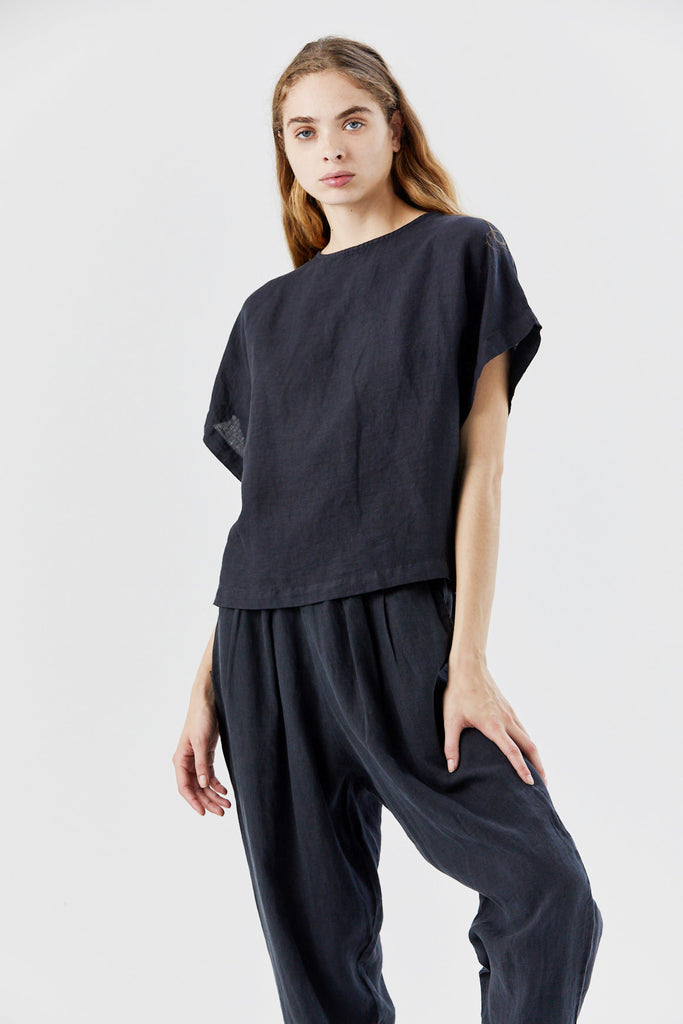 Black Crane - box top, black