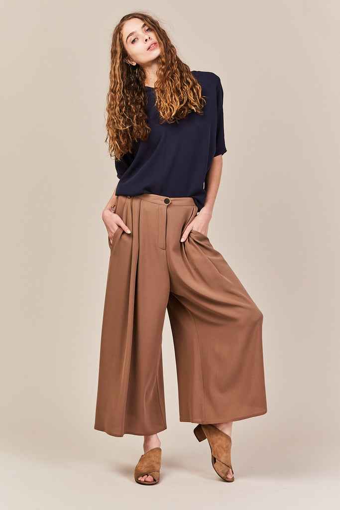 Dušan - Pleated pants, light brown