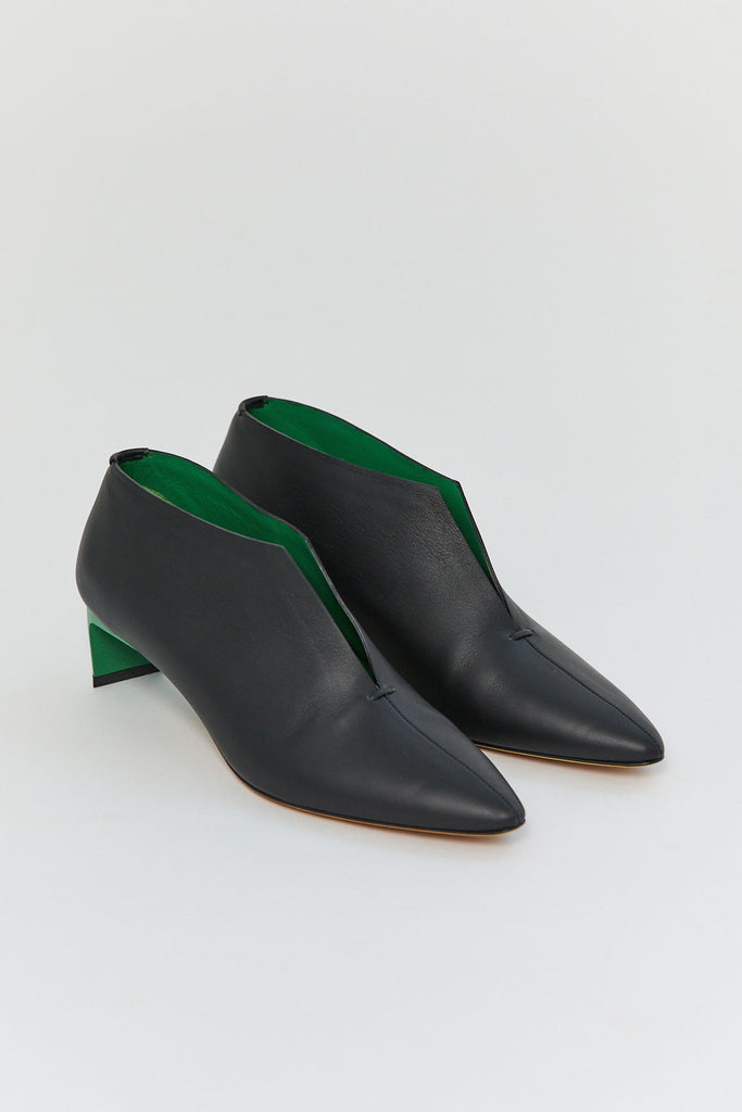 GRAY MATTERS - Puega Pump, Black & Green