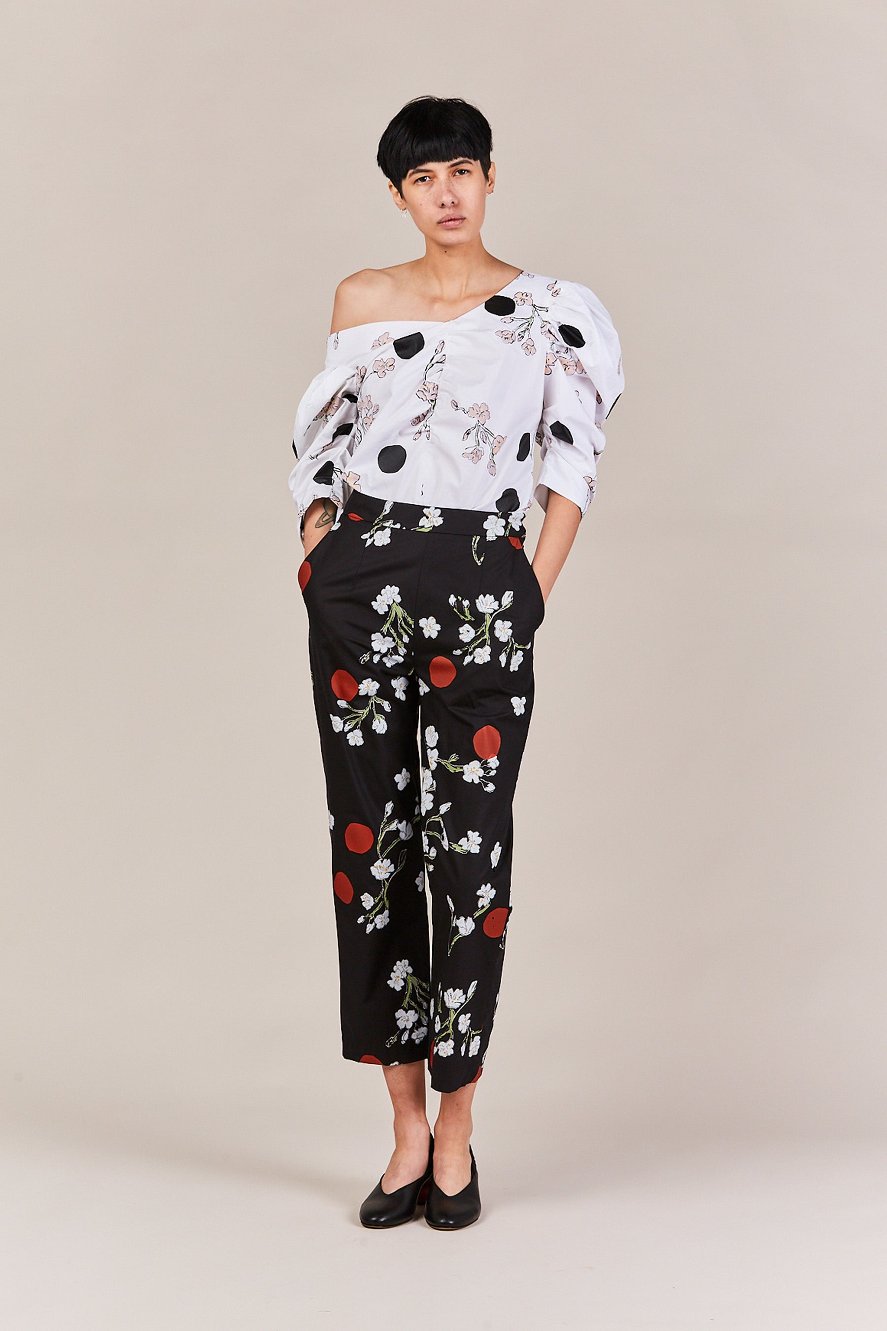 Isa Arfen - print off shoulder gather sleeve