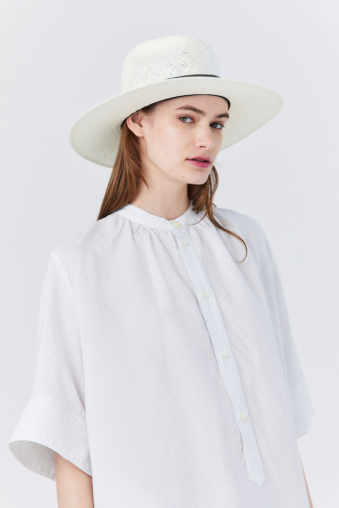 Janessa Leoné - Marcell Hat, Bleach