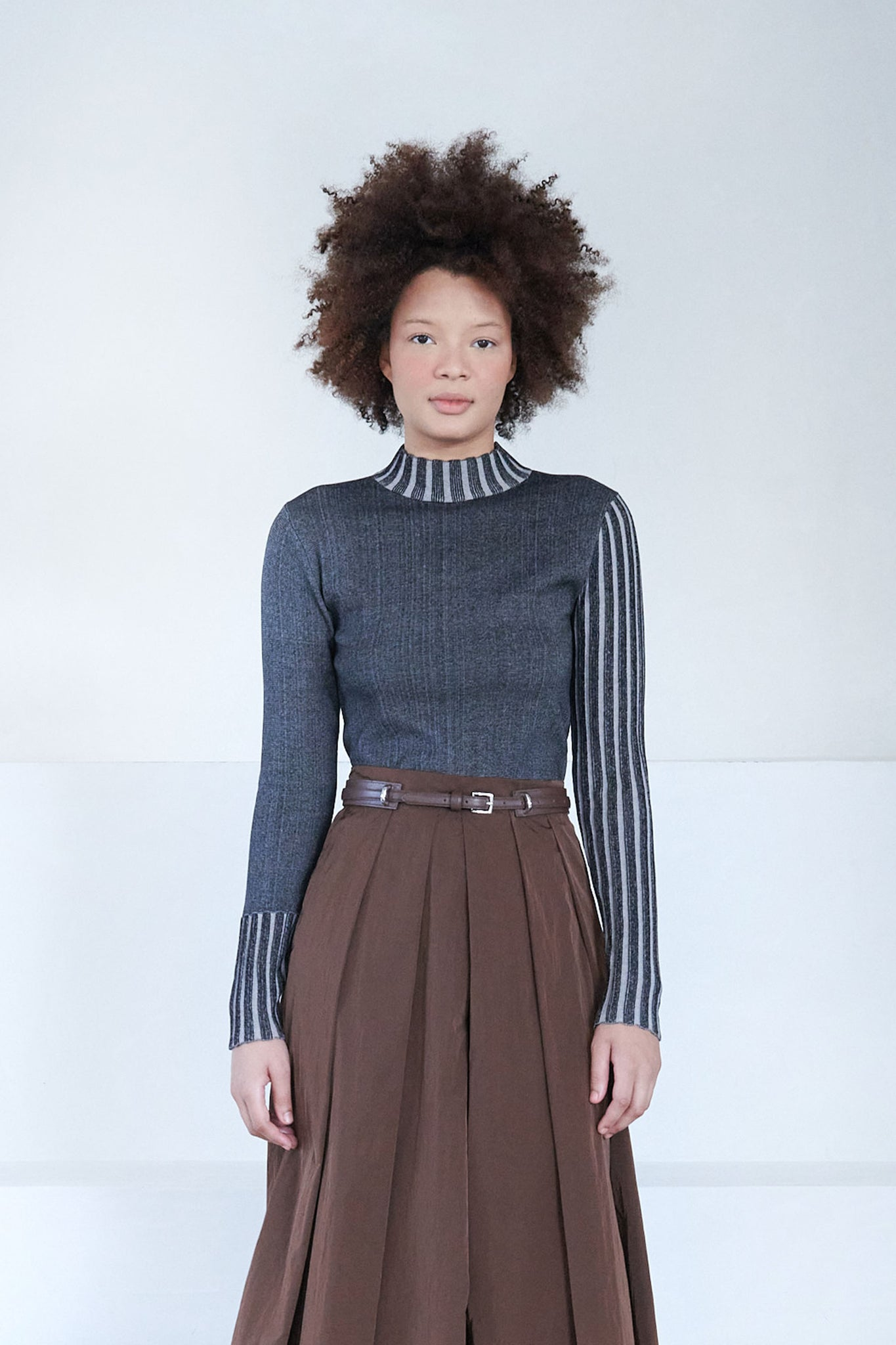 LOROD - reversible turtleneck sweater, black stripe