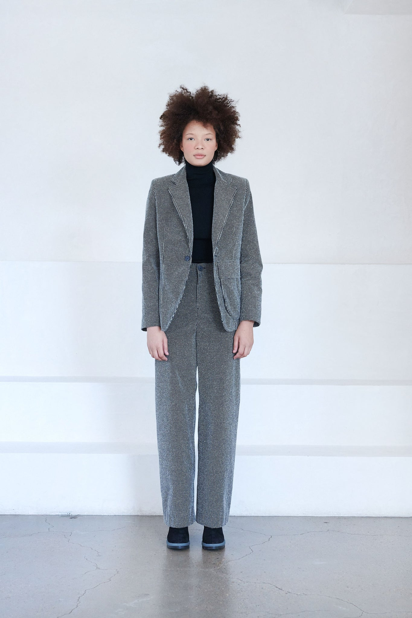 LOROD - tailored jacket, black and white