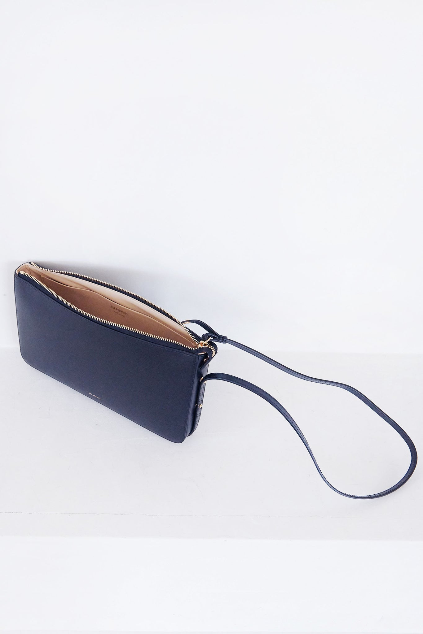 REE PROJECTS - do clutch, black