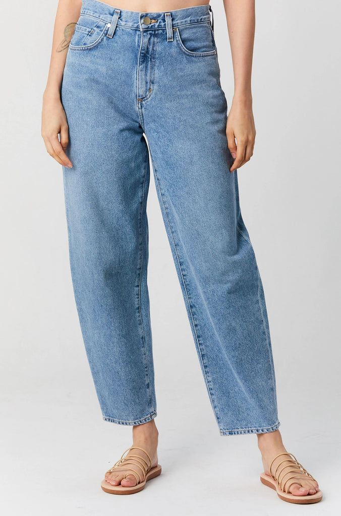 GOLDSIGN - Curved Jean, Tate