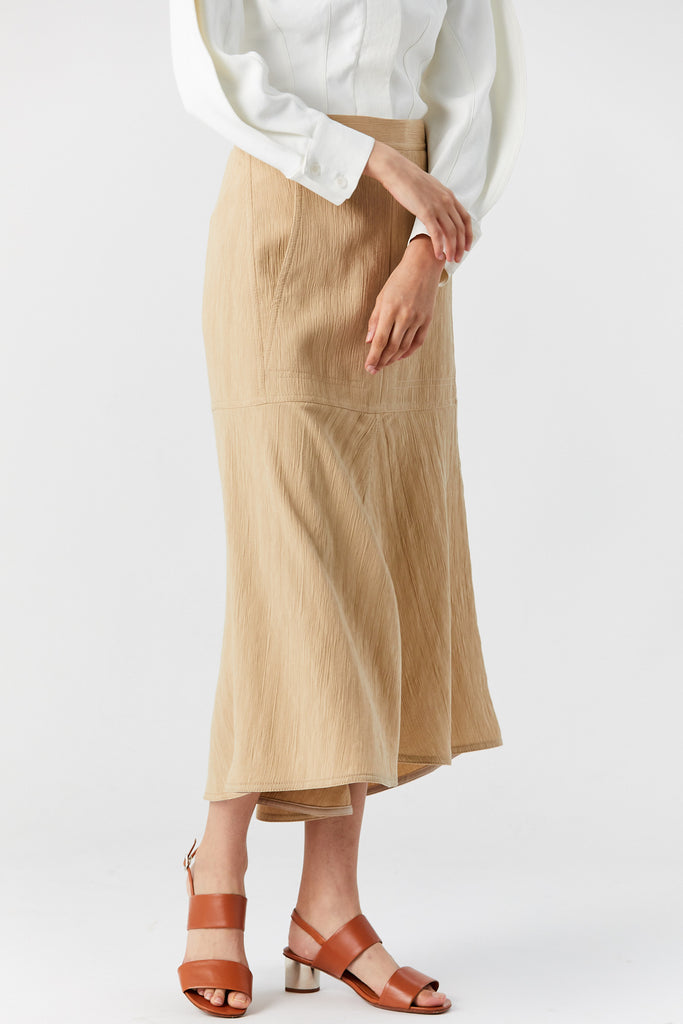 TIBI - Plisse front slit flared skirt, Latte