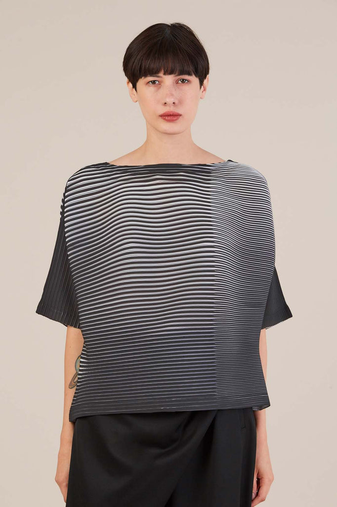 Pleated s/s shirt, Black/White