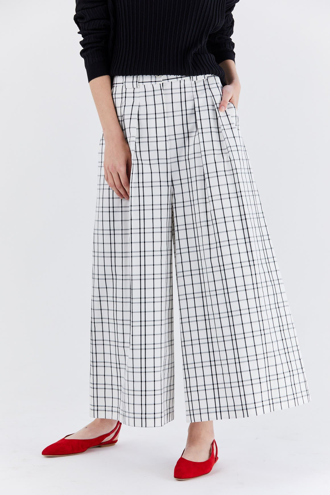 Dušan - highwaist pants, Black and White