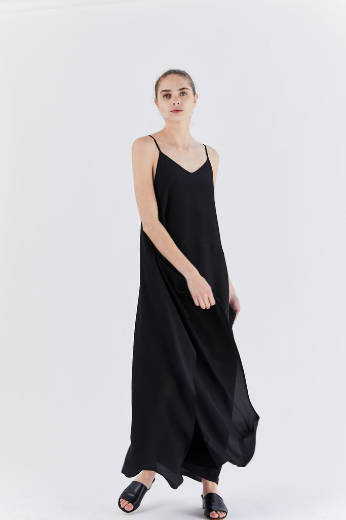 Dušan - square dress, black