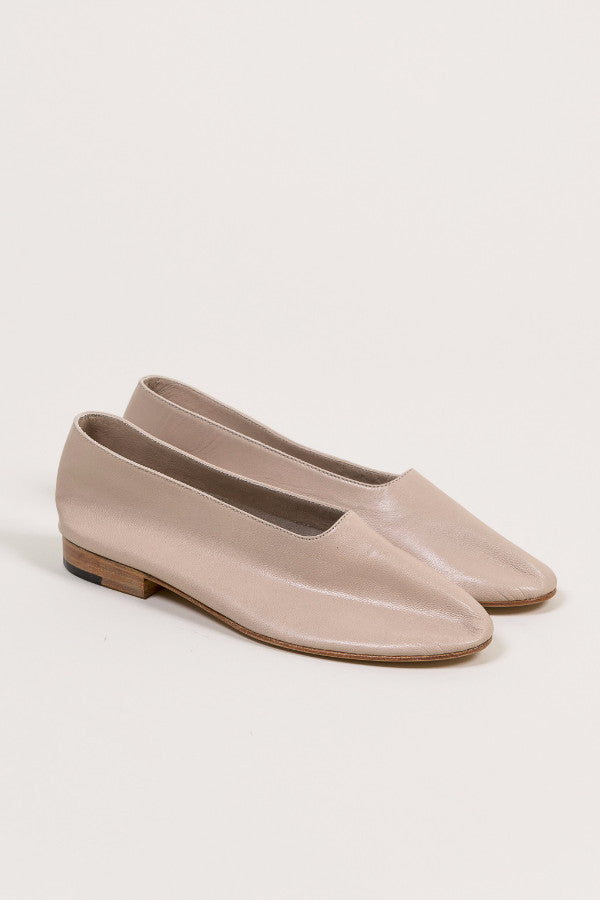 Leather Glove Flats, Antelope