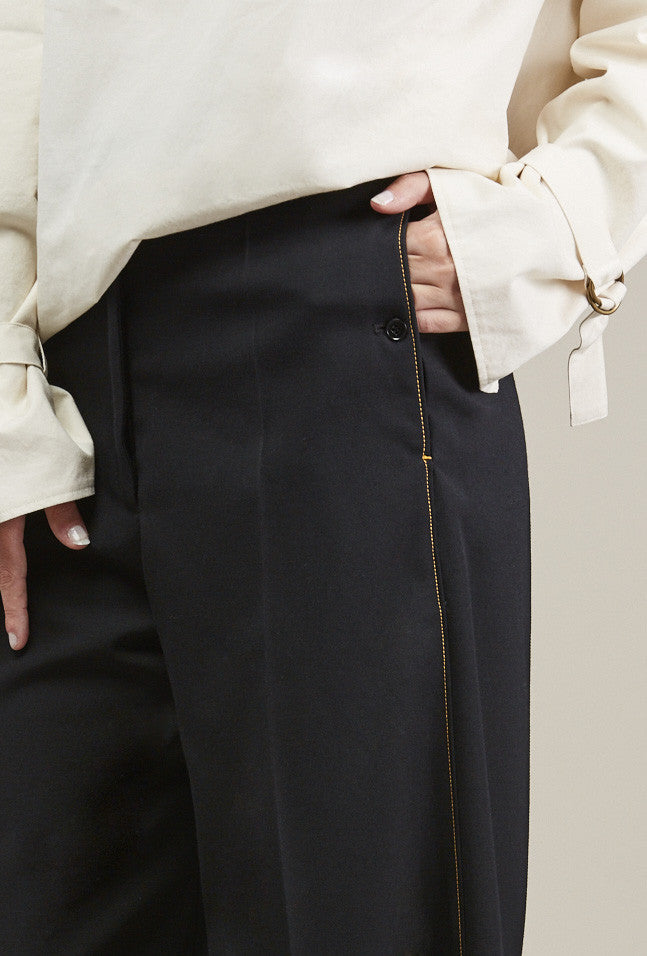 Cropped large pants by Lemaire