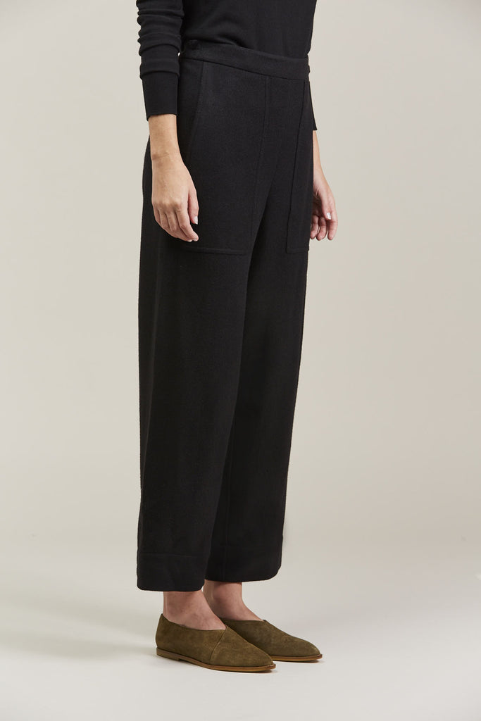 Cropped elasticated pants by Lemaire @ Kick Pleat - 3