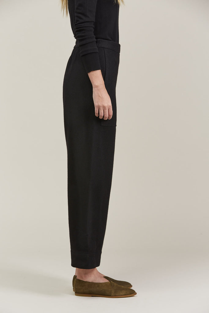 Cropped elasticated pants by Lemaire @ Kick Pleat - 4