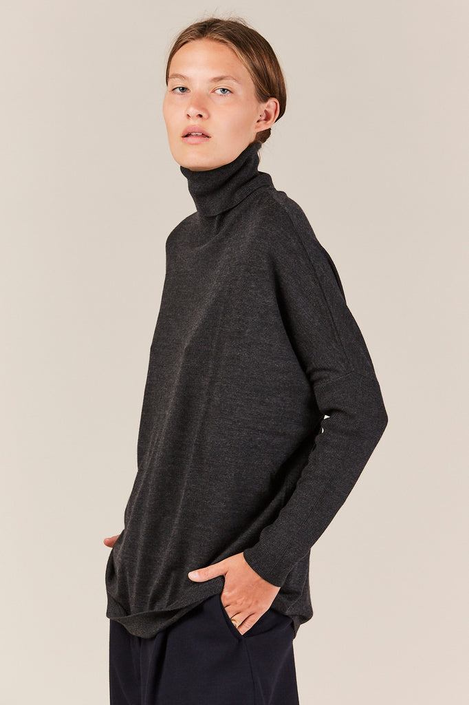 Allude - Dolman Turtleneck, Charcoal