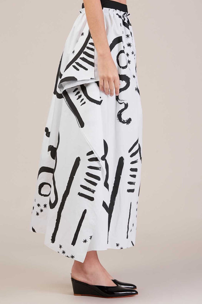 Handkerchief Skirt, White/Black by Isa Arfen