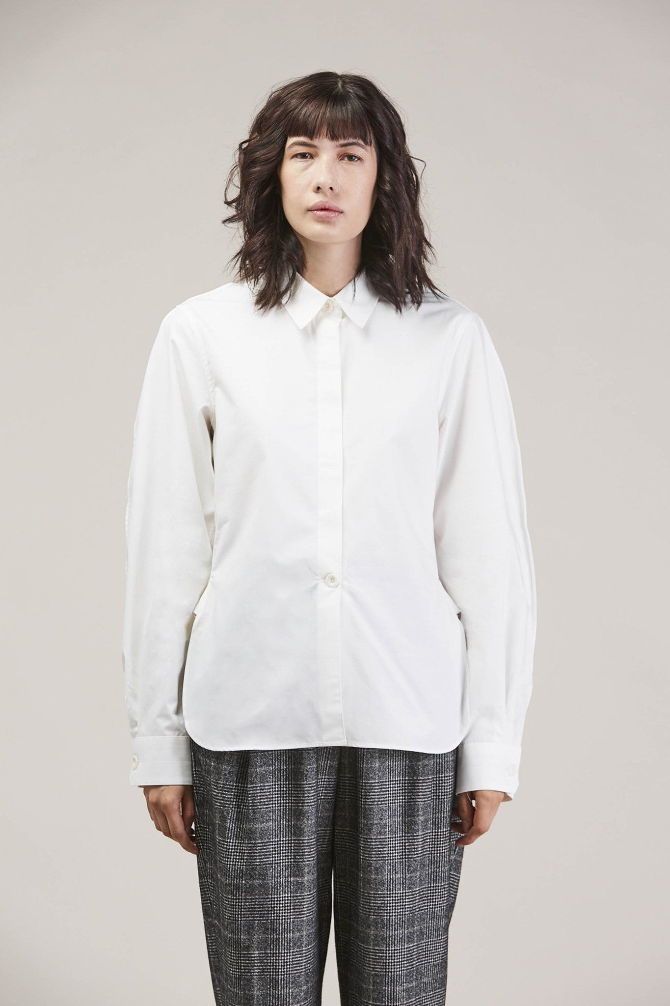 Large sleeve shirt, Chalk by Lemaire @ Kick Pleat - 1